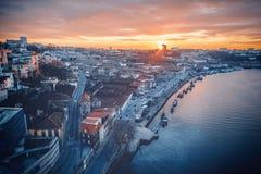 Porto, Portugal is de oude stadshorizon van over de Douro-Rivier, royalty-vrije stock afbeeldingen