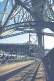 PORTO, PORTUGAL - 18. JANUAR 2018: Ansicht der historischen Stadt von Porto, Portugal mit der Dom Luiz-Brücke Lizenzfreies Stockbild