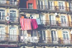 PORTO PORTUGAL - JANUARI 18,2018: Traditionell arkitektur i Porto, Portugal Arkivfoto