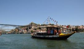 Porto, Portugal - juli 10 2010: brug Stock Foto's