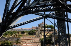 Porto, Portugal - juli 10 2010: brug Stock Afbeelding