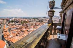 Porto Portugal - Juli 2017 Porto den Clerigos kyrkan också som vetna name gammala stället poland s för bryggerikristen kyrkan det Arkivfoton
