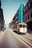 Porto, Portugal am 21. Mai 2015: Bunte Häuser von Porto Ribeira, Por Stockfotos