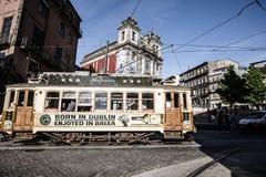 Porto Portugal 21 Maj, 2015: Färgrika hus av Porto Ribeira, Por Royaltyfri Foto