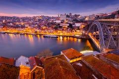 Porto, Portugalia miasto stara linia horyzontu z naprzeciw Douro rzeki, był Zdjęcie Royalty Free