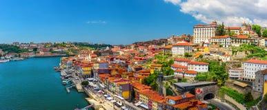 Porto, Portugalia panoramiczny widok stary grodzki Oporto od Dom Luis mostu na Douro Rive obraz stock