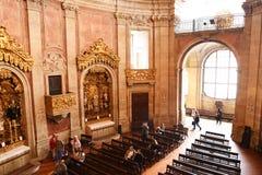 Porto Portugalia, Styczeń, - 09, 2019: Wnętrze kościół Clerigos kościół duchowieństwa Wysoki wierza w mieście Po zdjęcia royalty free