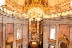 Porto Portugalia, Styczeń, - 09, 2019: Wnętrze kościół Clerigos kościół duchowieństwa Wysoki wierza w mieście Po obraz stock
