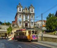 PORTO PORTUGALIA, WRZESIEŃ, - 09, 2016: Tramwaj w starym miasteczku na Septem Obrazy Stock