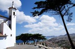 Porto Santo sikt från det Senhora da Graca kapellet royaltyfria foton