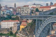 Porto, a segundo-grande cidade em Portugal Localizado ao longo do estuário do rio de Douro em Portugal do norte Seu núcleo histór imagem de stock