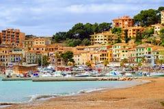 Porto Soller, mar Mediterraneo, Mallorca, Spagna della stazione turistica immagine stock