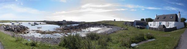 Porto Tiree Escócia de Scarinish na maré alta Imagem de Stock