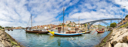 Porto und alte traditionelle Boote Lizenzfreies Stockbild