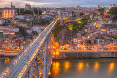 Porto und Brücke nachts, Portugal Stockfotografie