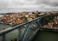 porto Vista de la ciudad, del río Duoro y del puente Ponte Luis 1 portugal fotografía de archivo libre de regalías