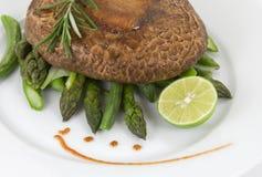 Portobello con asparago Immagine Stock Libera da Diritti