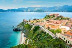 Portoferraio in Elba Island, Ansicht von den Festungswänden, Toskana, Italien stockbilder