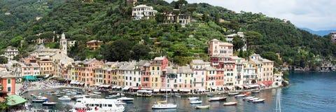 Portofino,利古里亚,在Portofino港口的Italy.Speed小船 免版税库存图片