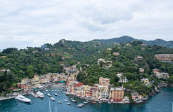 Portofino,利古里亚,在Portofino港口的Italy.Speed小船 库存图片