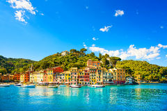 Portofino豪华村庄地标,全景视图 意大利利古里亚 免版税库存图片
