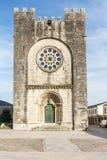 Portomarin och kyrkan av San Nicolà ¡ s, huvudsakligt ställe av Caminoen de Santiago i Lugo Spanien arkivfoto