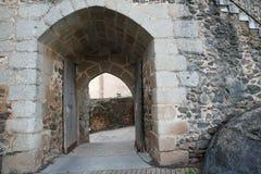 Portone al castello di Cumbres Mayores, Huelva Fotografia Stock