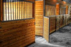 Portone aperto della stalla del granaio Immagine Stock