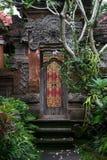 Portone decorato del palazzo di Ubud, Bali Fotografia Stock