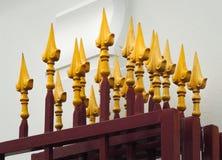 Portone del ferro con la decorazione dorata stagionata Immagini Stock Libere da Diritti