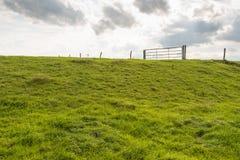 Portone del ferro sopra una diga Immagini Stock Libere da Diritti