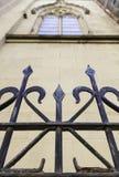 Portone del metallo in una chiesa Immagini Stock Libere da Diritti