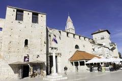 Portone del sud della città di vecchia città di Traù in Croazia immagini stock libere da diritti