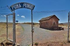 Portone dell'entrata di Pumapunku Sito archeologico di Tiwanaku bolivia fotografia stock