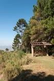Portone dell'entrata sulla montagna Fotografie Stock Libere da Diritti