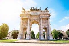 Portone della città a Milano fotografia stock libera da diritti
