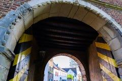 Portone della città storica di Bedburg alt-Kaster, Germania Immagine Stock
