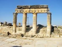 Portone di Hierapolis Pamukkale ad inferno Immagine Stock