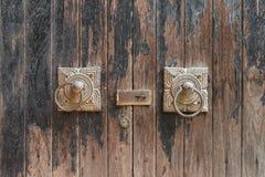 Portone di legno antico, fine su Immagine Stock