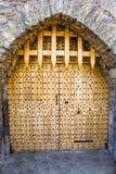 Portone di legno chiuso nel castello di Malahide, Irlanda, Europa fotografia stock libera da diritti
