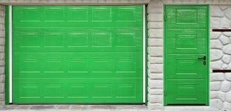 Portone e porta automatici del garage del rotolo-su Immagine Stock Libera da Diritti