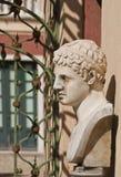 Portone e statua di giardino di Genova, dell'Italia - di Royal Palace immagine stock