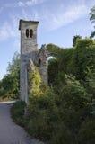 portone Mezzo rovinato di un castello antico Fotografia Stock Libera da Diritti