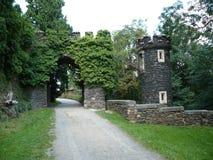 Portone nel castello di Žleby Fotografia Stock Libera da Diritti