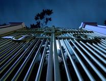 Portoni del cimitero alla notte Fotografia Stock