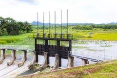 Portoni di acqua per irrigazione Fotografie Stock Libere da Diritti