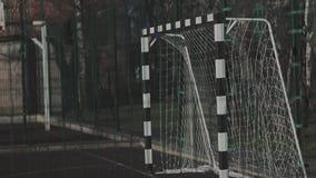 Portoni sul sito per mini calcio stock footage