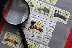 Portost?mplar av Republiken Korea i albumet Sl?ppt till den 60th ?rsdagen av Mercedes-Benz 1926-1986 visat royaltyfria bilder