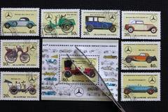 Portost?mplar av Republiken Korea i albumet Sl?ppt till den 60th ?rsdagen av Mercedes-Benz 1926-1986 visat royaltyfri fotografi