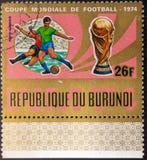 Portost?mpel 1974 Boll som m?las i flaggan av South Africa som isoleras p? vit bakgrund fotboll Republiken Burundi royaltyfria foton